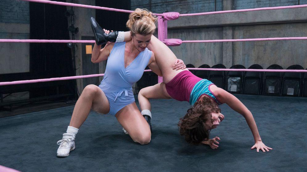 """Zweite Staffel """"GLOW"""": Frauen-Wrestling und Feminismus"""