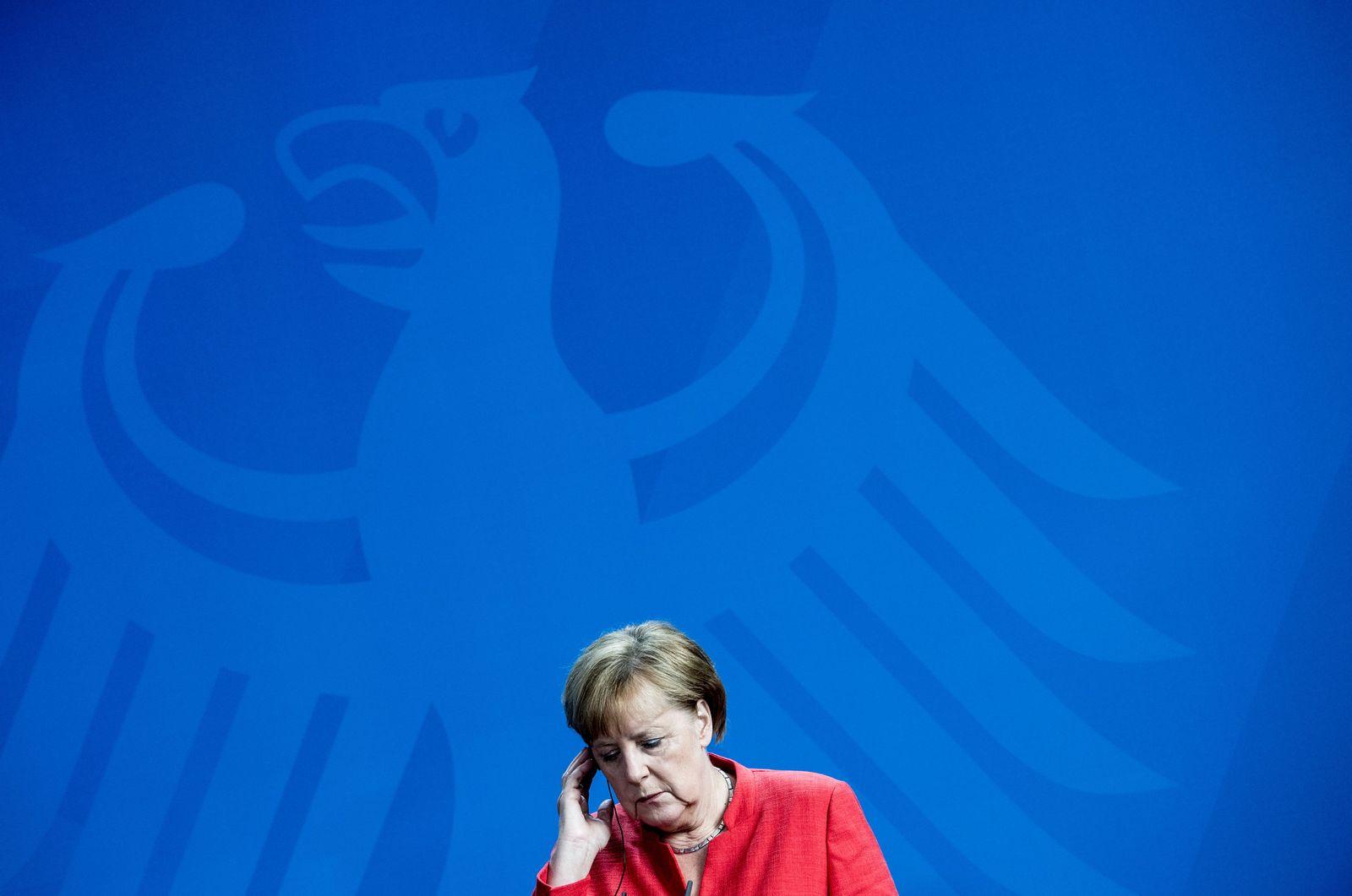EINMALIGE VERWENDUNG PLUS SPIEGEL 26/2018 S. 16 Angela Merkel