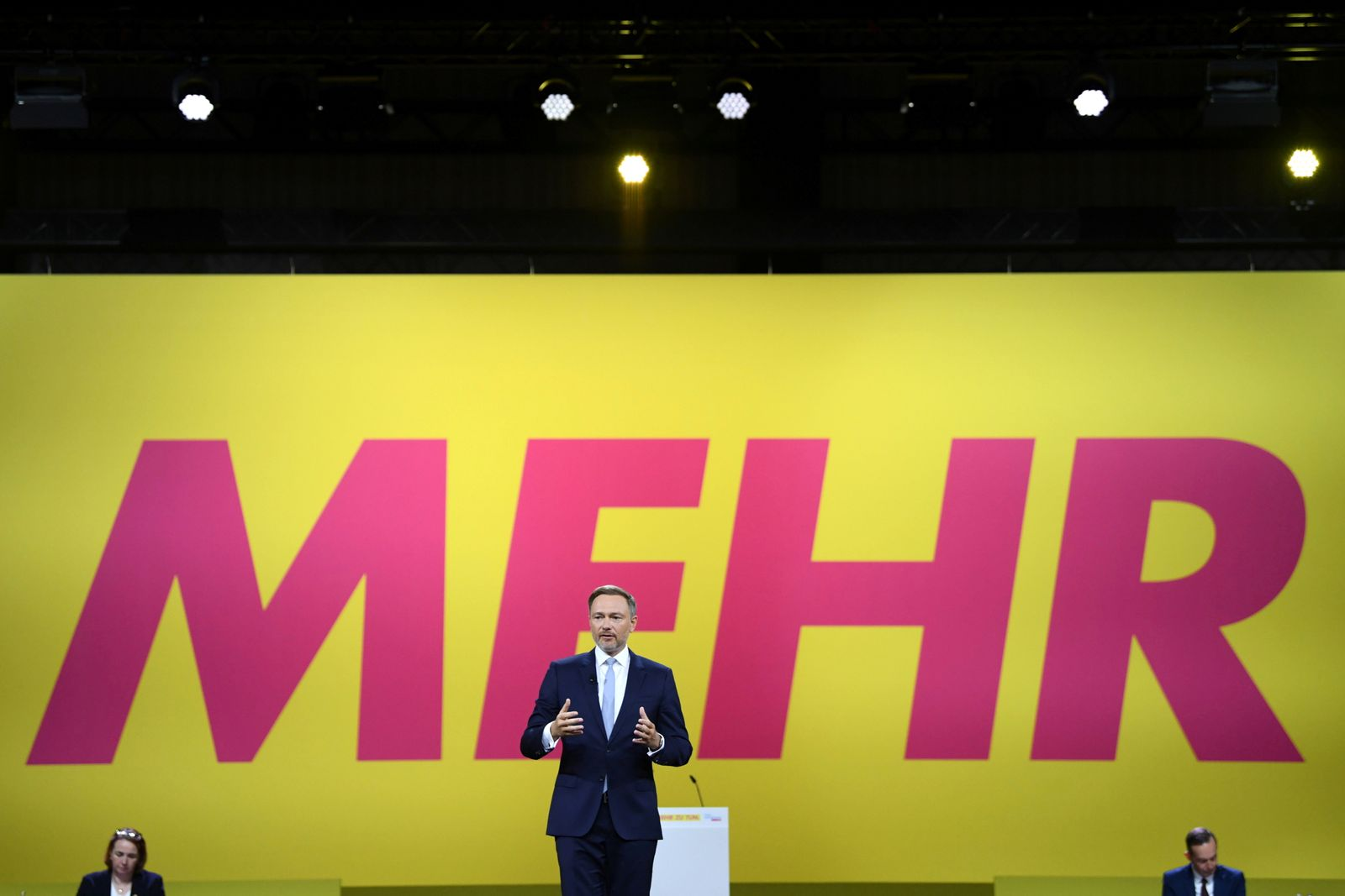 FDP holds party congress one week before general election in Germany