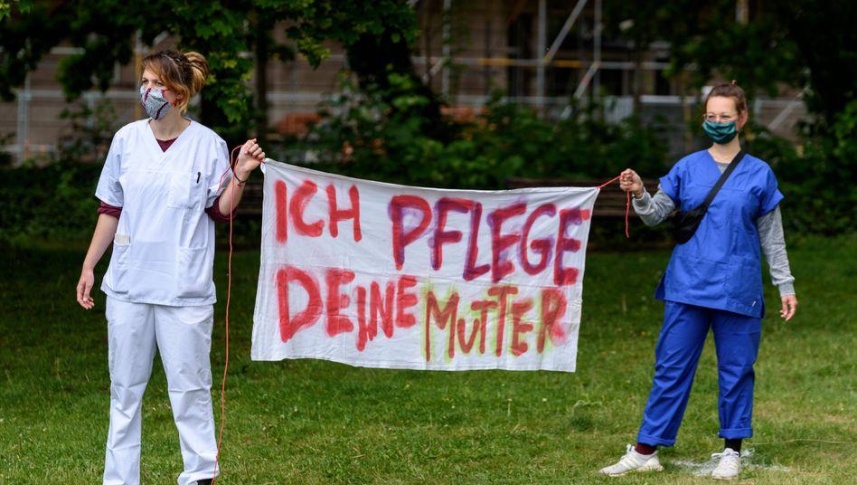 """""""Walk of Care"""" am 12. Mai in Berlin: Pflegekräfte demonstrieren für bessere Arbeitsbedingungen"""