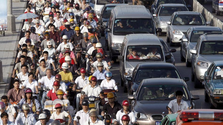 Stau in Nanning (China): Hohe CO2-Emissionen durch Industrie und Verkehr