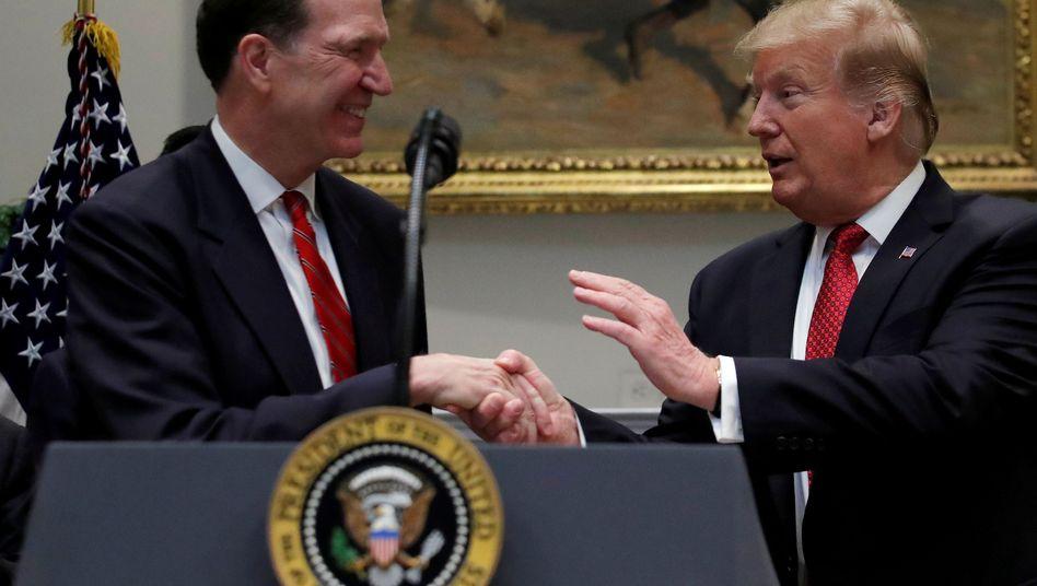 David Malpass (links) und Donald Trump (Archivbild)