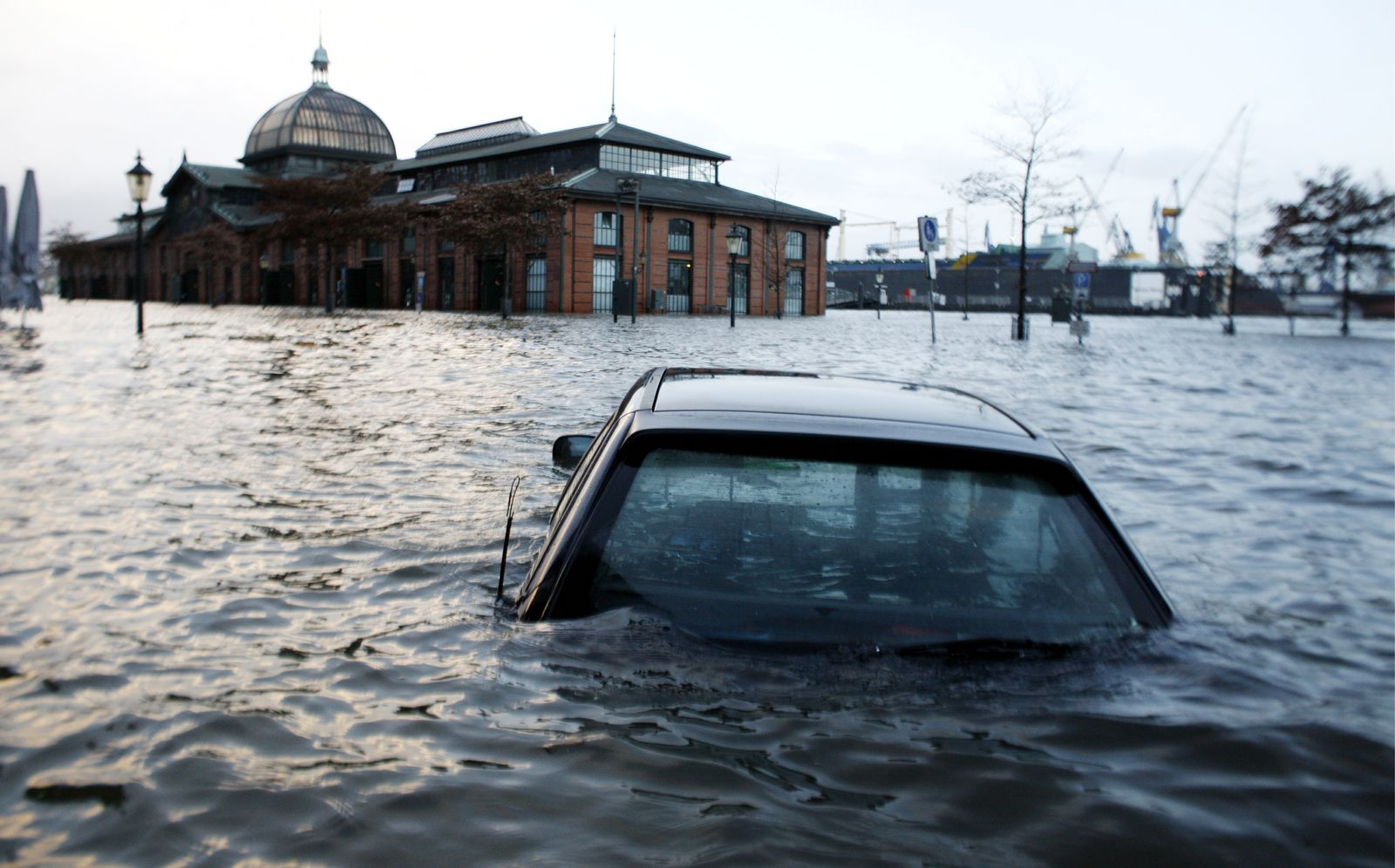 NICHT VERWENDEN Sturmflut / Hamburg