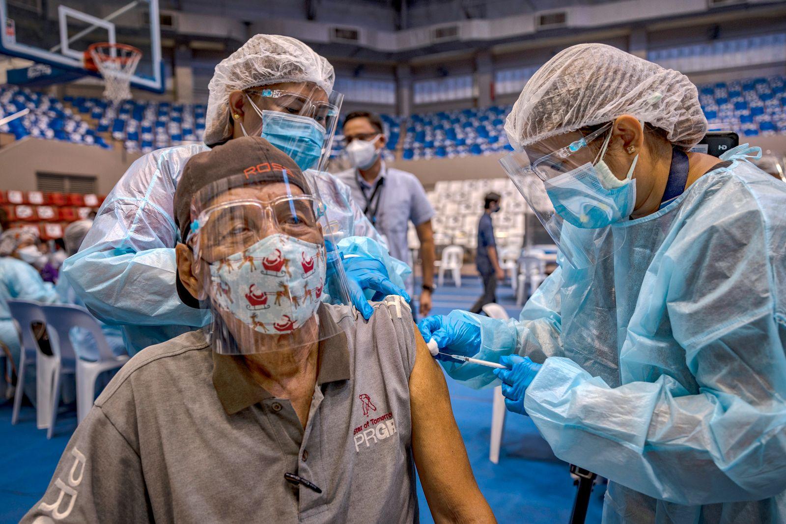 Philippines Begins Administering Russian Sputnik V Vaccine