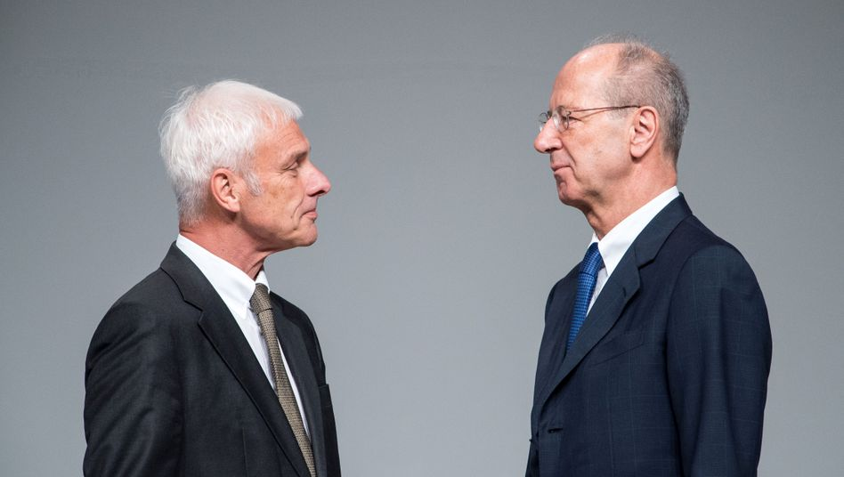 Verfahren gegen Geldzahlung eingestellt: Matthias Müller, ehemaliger Vorstandsvorsitzender der Volkswagen AG, und Hans Dieter Pötsch, Vorsitzender des VW-Aufsichtsrates