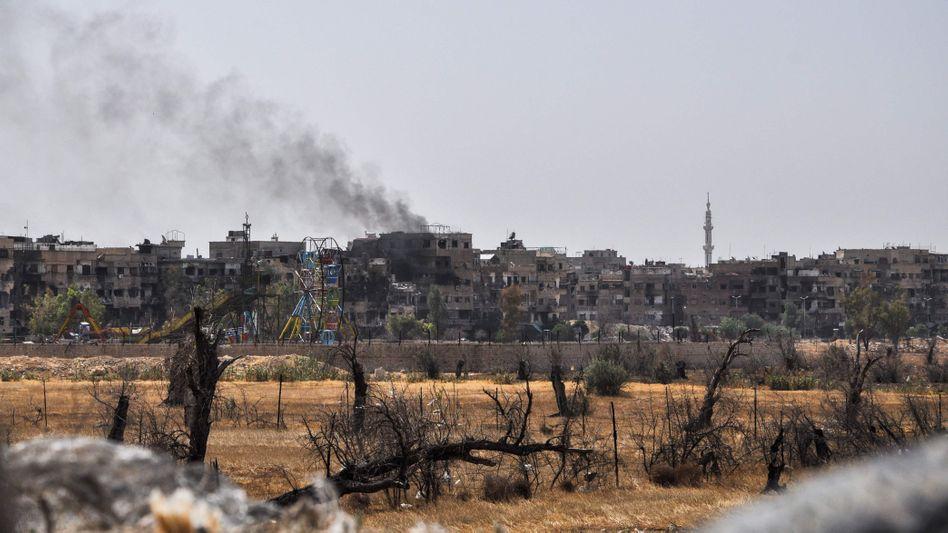 Rauchwolken über der syrischen Stadt Duma