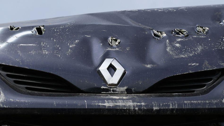 Verbeultes Renault-Auto