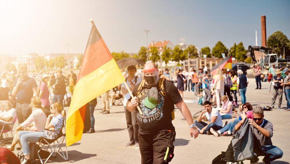 Anti-Corona-Maßnahmen-Demonstrationin Stuttgart, 16. Mai 2020