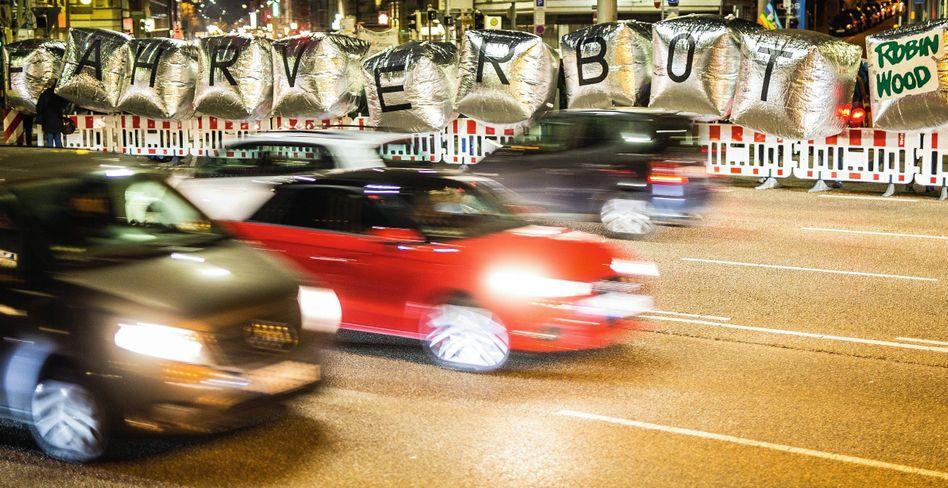 Demonstration gegen Dieselschadstoffe am Stuttgarter Neckartor