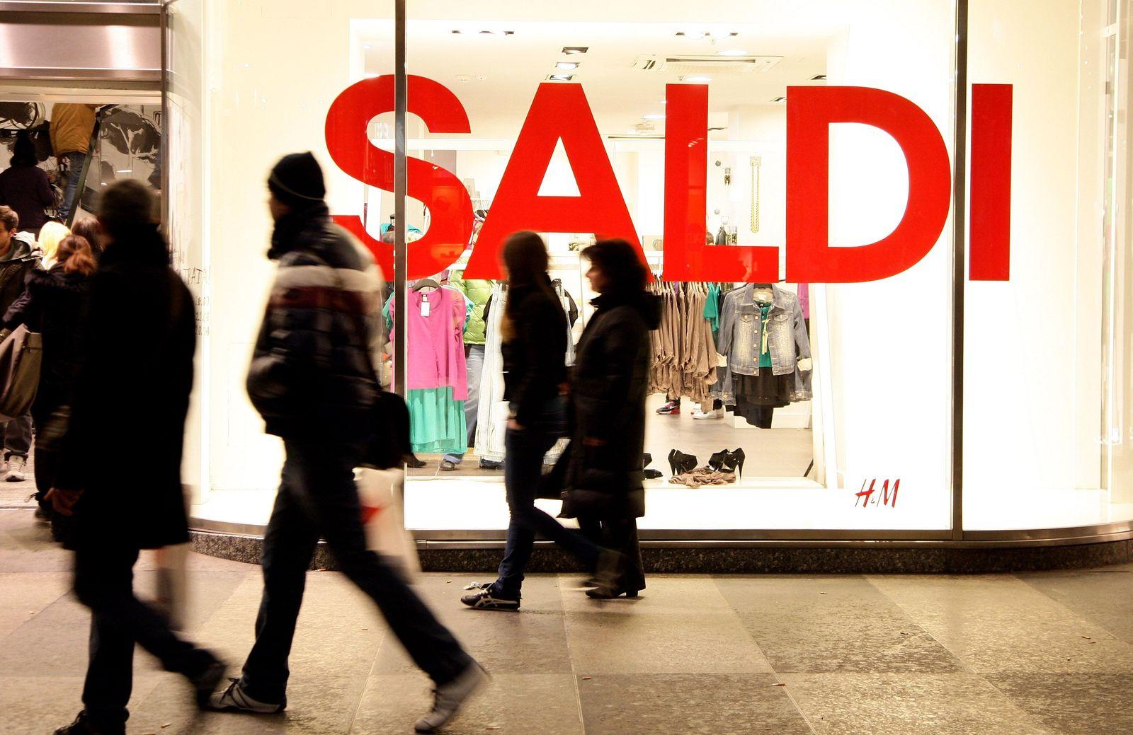 Wirtschaft Italien / Schlussverkauf Mailand