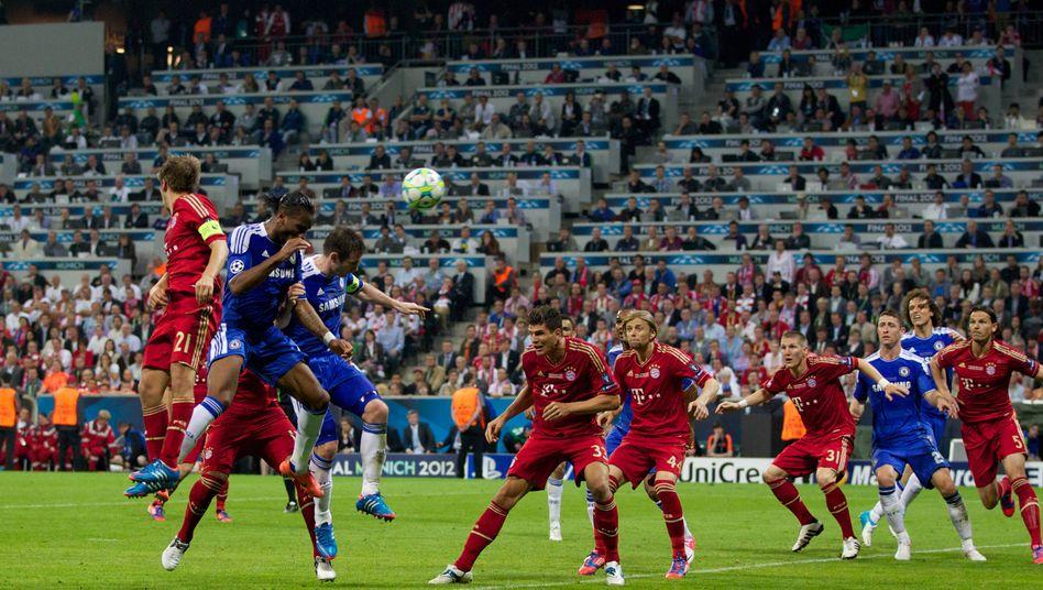 "Kopfball Didier Drogba - ""and now goal"": Der Chelsea-Stürmer erzielt den Ausgleich in München"