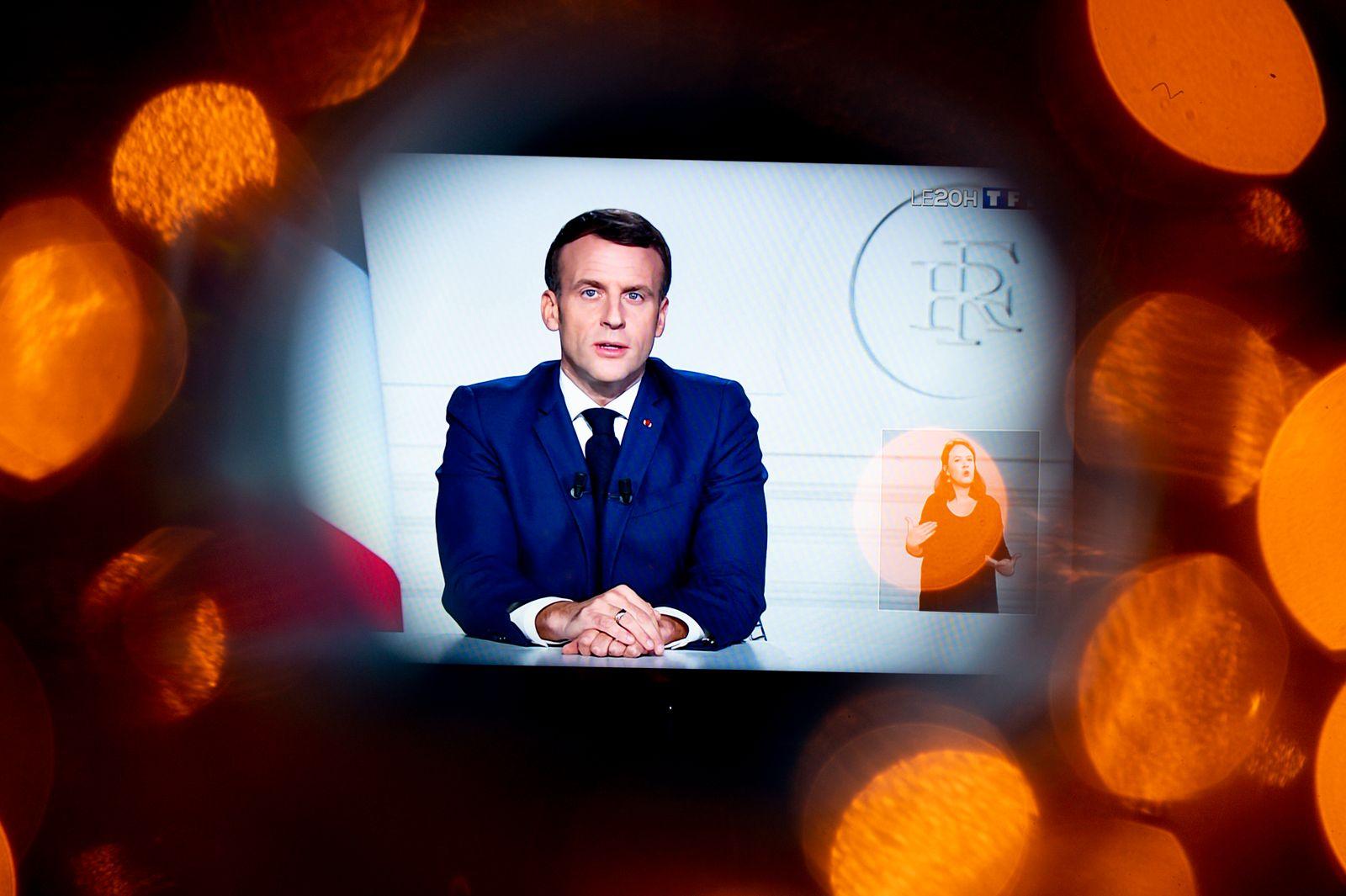 Allocution televisee d Emmanuel Macron - President de la Republique Francaise en hommage a l ancien president Valery Gis