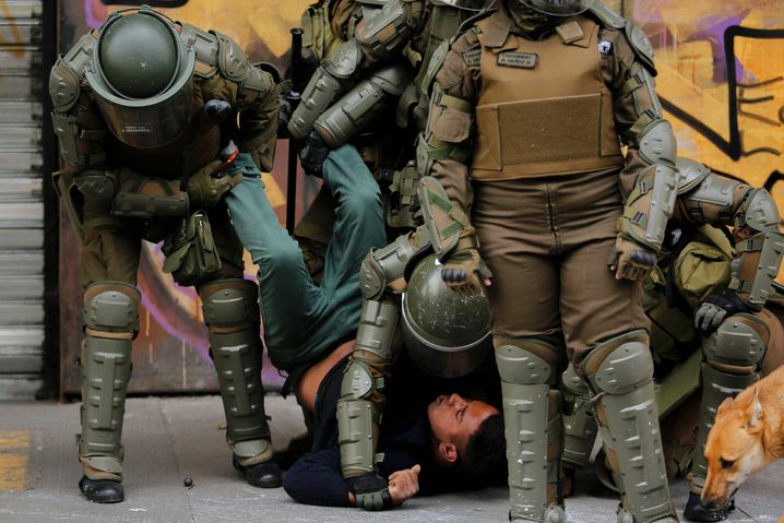 """""""Amnesty International"""" prangert gezielte, exzessive Gewaltanwendung durch Sicherheitskräfte in Chile an"""