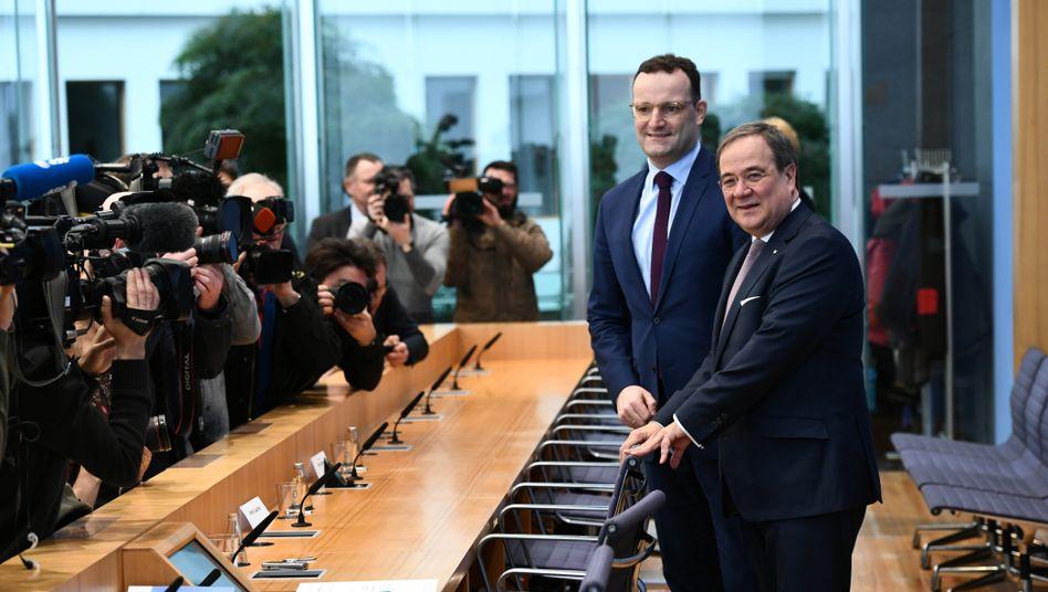 Im Team gegen Merz? Jens Spahn, Bundesgesundheitsminister, bei einer Pressekonferenz in Berlin mit NRW-Regierungschef Armin Laschet