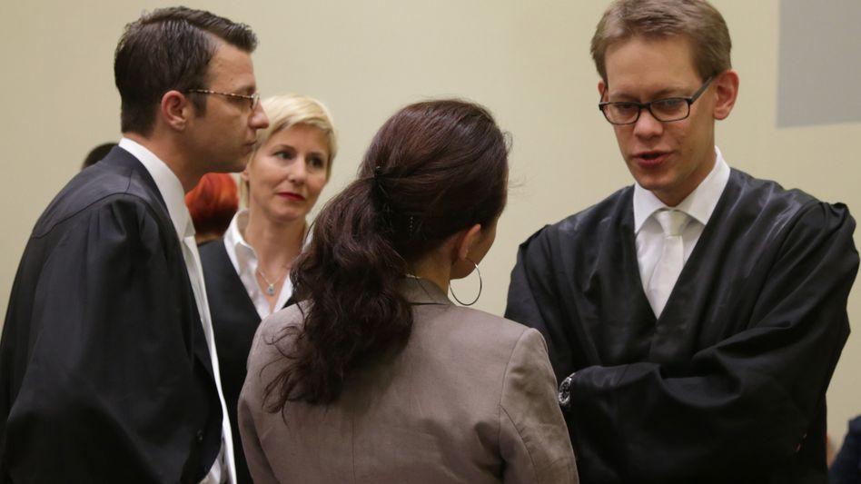 NSU-Prozess: Zschäpes Anwälte fordern Verlegung in größeren Gerichtssaal