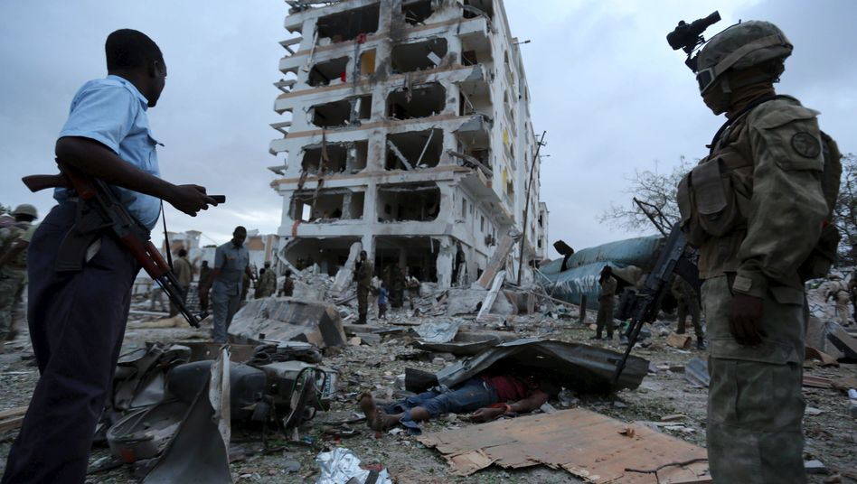 Zerstörtes Hotel Jazeera Palace in Mogadischu: Deutsch-Somalier soll Anschlag begangen haben