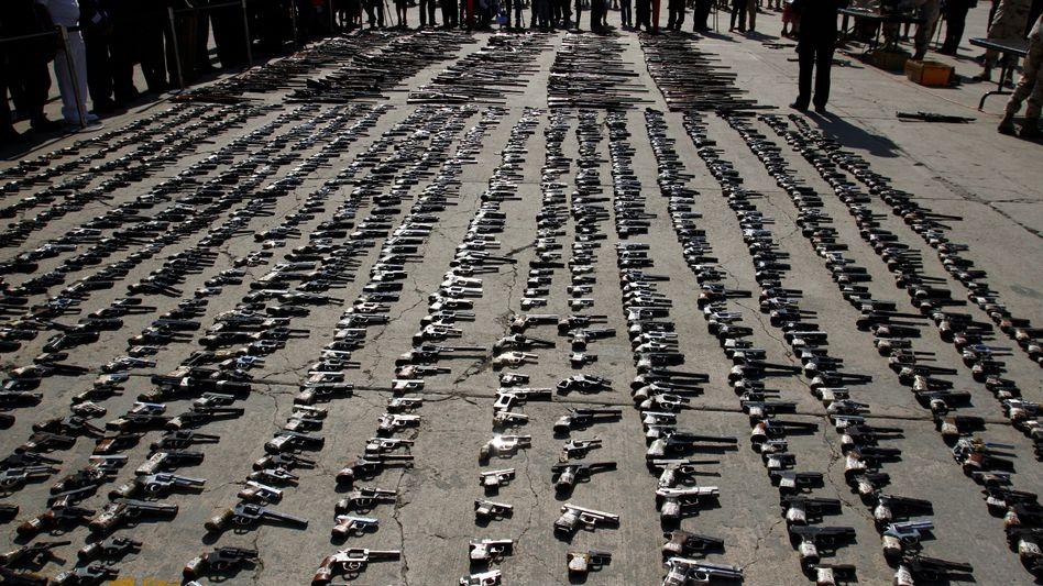 Waffen krimineller Banden in Mexiko – beschlagnahmt vom Militär (Archivbild)