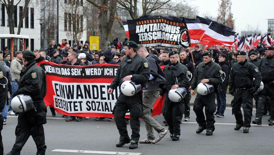 Rechtsextreme Demonstration in Dortmund: Einzelne Zwischenfälle