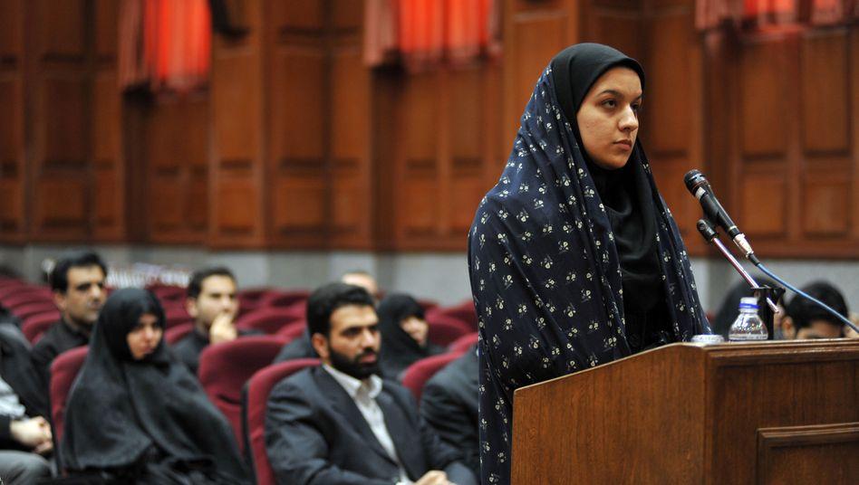 Reyhaneh Jabbari vor Gericht (Foto von 2008): Iran richtet 26-Jährige hin