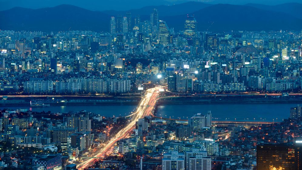 """Südkorea: """"Wie ein Shrimp zwischen zwei Walen"""""""