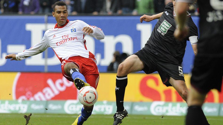 Hamburg-Profi Choupo-Moting (links): Auch künftig auf der Bank des HSV