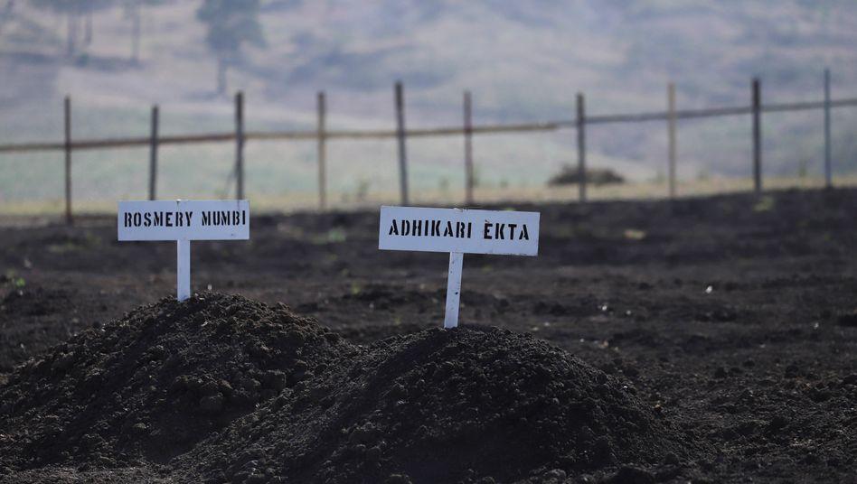 Namensschilder von Opfern des Ethiopian-Airlines-Absturzes bei Bishoftu: In der Nähe der äthiopischen Stadt waren alle 157 Menschen an Bord der Boeing 737 Max ums Leben gekommen.