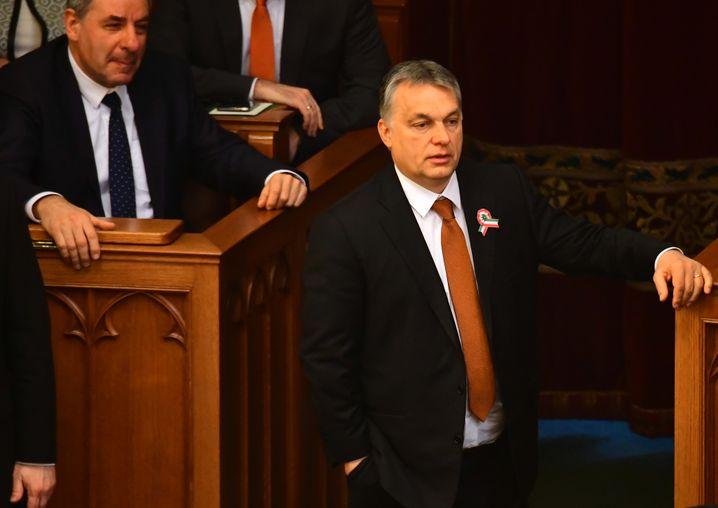 Viktor Orbán: Notstand lässt sich ohne Zustimmung des Parlaments beliebig verlängern