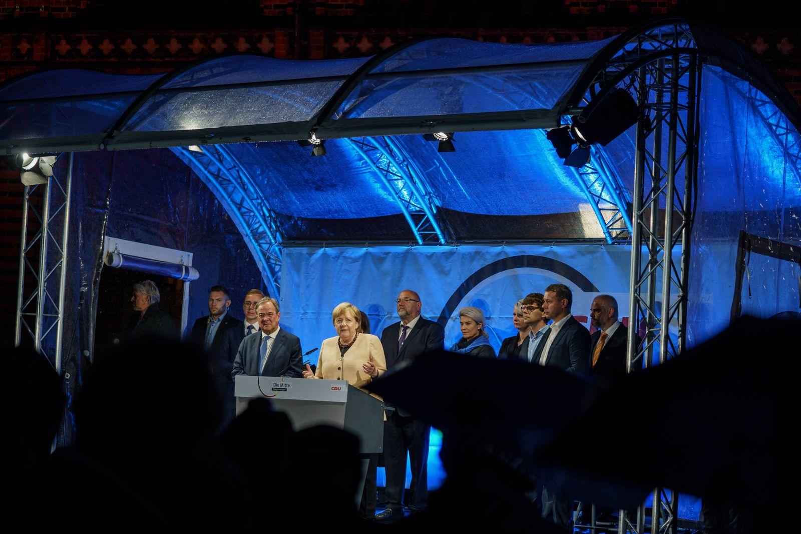 Armin Laschet, Spitzenkandidat CDU/CSU und CDU-Bundesvorsitzender - Wahlkampfveranstaltung Alter Markt in Stralsund, Mec
