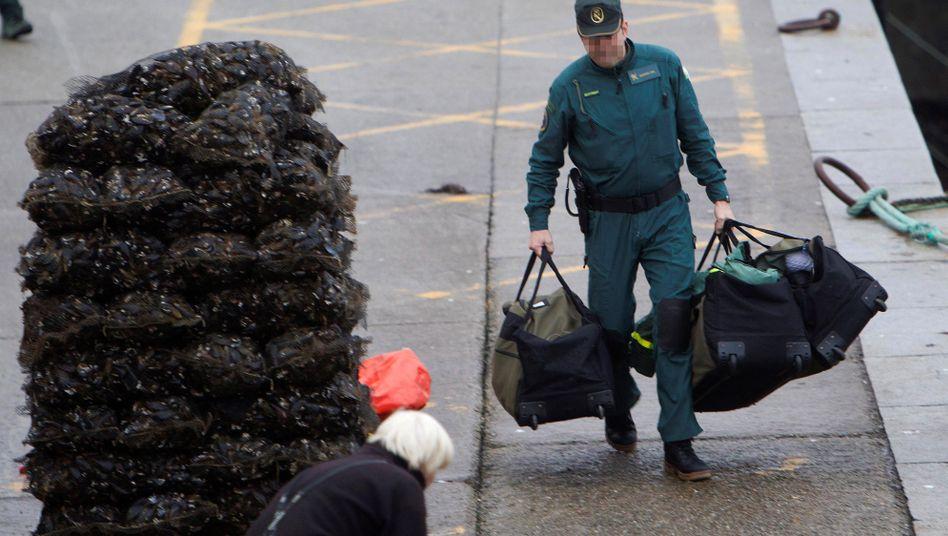 Vor der spanischen Küste wurden etwa 3000 Kilogramm Kokain aufgespürt