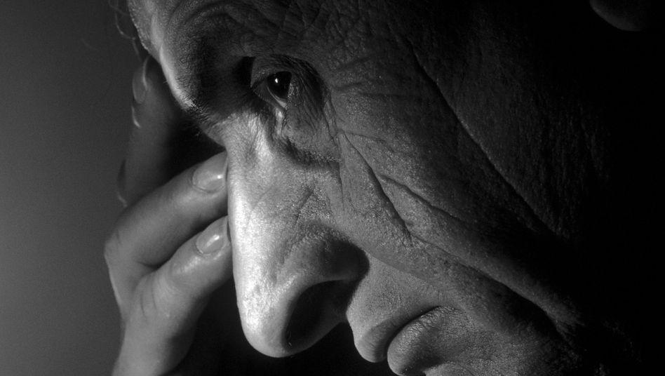 """Depressiv im Alter: Den Arzt nicht mit psychischen Problemen """"belasten"""""""
