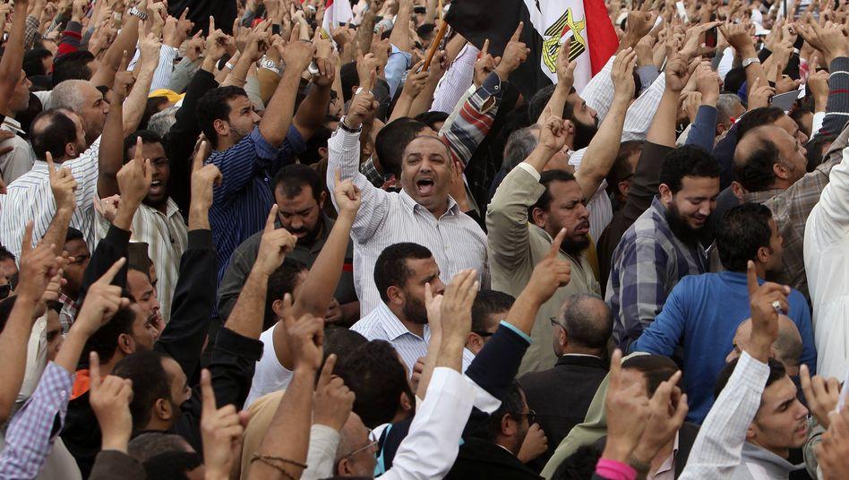 Mursi-Anhänger in Kairo: Neue Verfassung im Hauruck-Verfahren