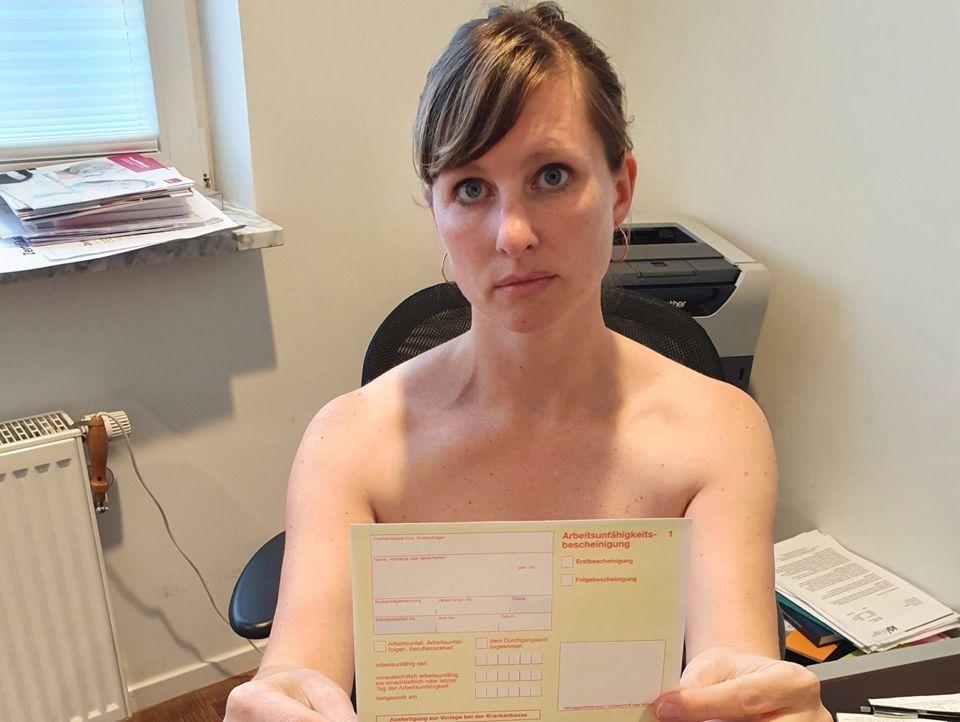 Hausarzt nackt beim nackt beim
