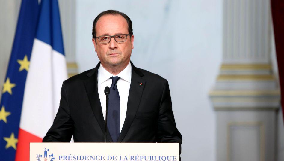 """Präsident Hollande: """"Gegenüber dem Terror muss Frankreich stark sein"""""""