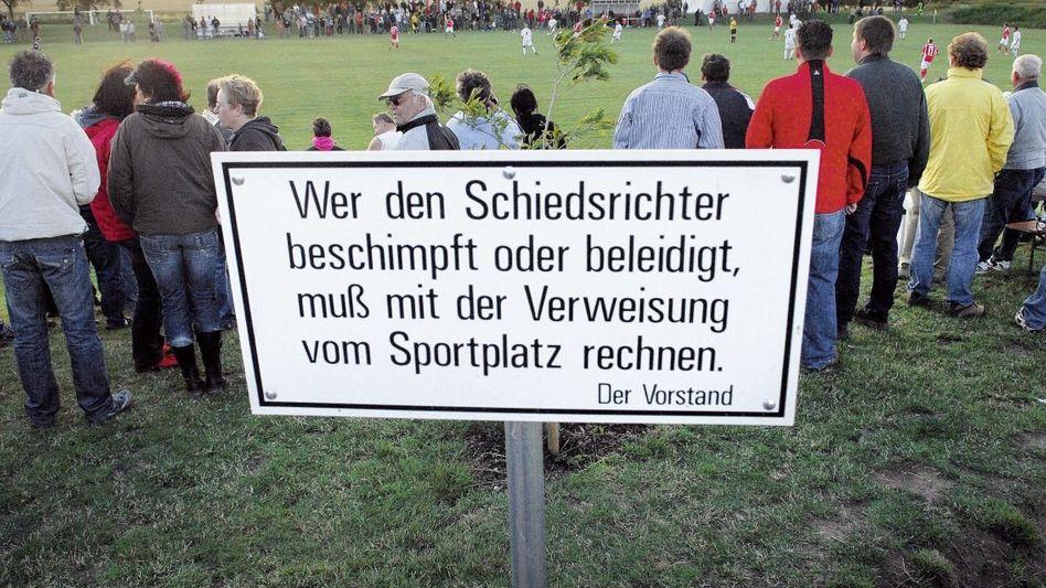 Fußballplatz in Thüringen: »Für viele ein Ort, an dem sie Dampf ablassen können«