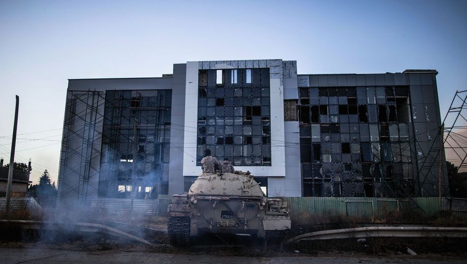 A Libyan government tank near the airport in Tripoli in 2019: Libya has become an arena in which foreign actors pursue their own interests.