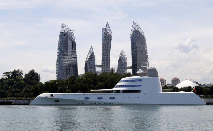 """Motorjacht """"A"""" von Andrej Melnichenko: Der Russe lässt gerade die bald längste Segeljacht der Welt in Kiel bauen"""