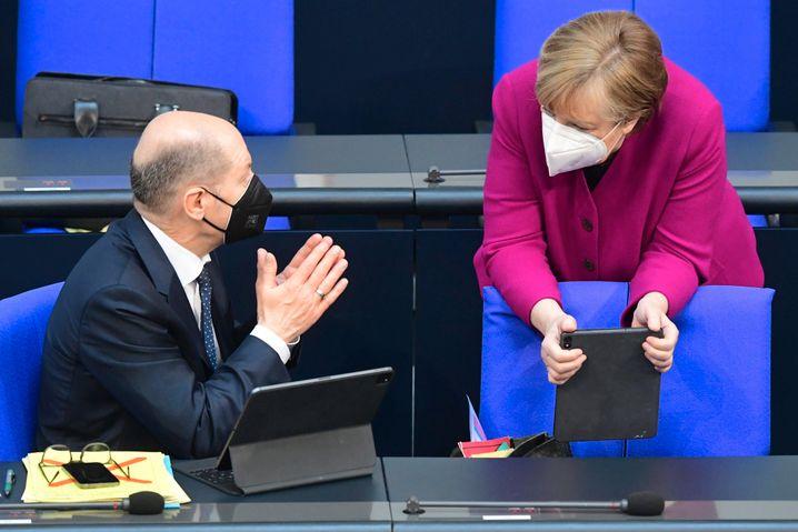Olaf Scholz, 63, ist im Moment Finanzminister und arbeitet mit Kanzlerin Angela Merkel zusammen. Nach der Wahl würde er selbst gern Kanzler werden.
