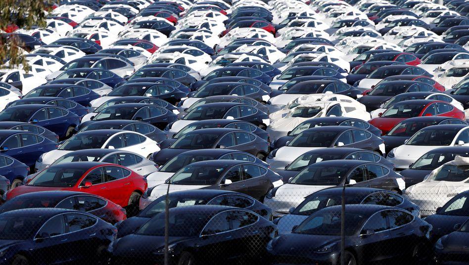 Auf den Hersteller Tesla entfallen über die Hälfte aller US-Neuzulassungen von Elektroautos