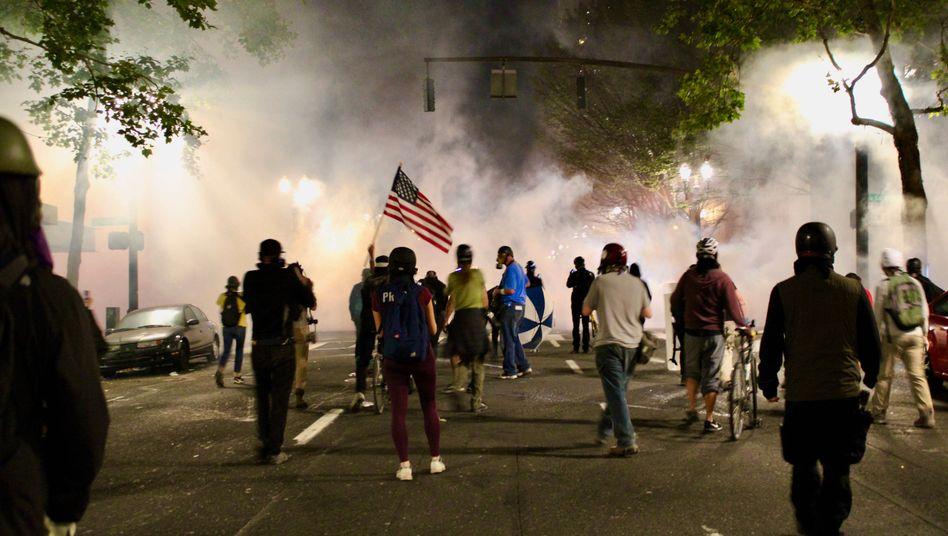 Proteste in Portland: Untersuchung angekündigt