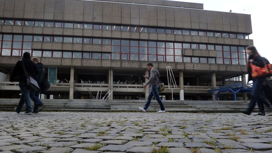 Studenten an der Uni Bochum: Aufstieg missglückt