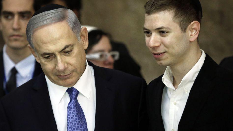 Benjamin Netanyahu und sein Sohn Yair (2015)