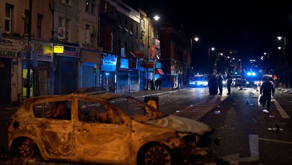 Ausgebranntes Polizeiauto in Tottenham: Beginn der Krawalle am vergangenen Samstag