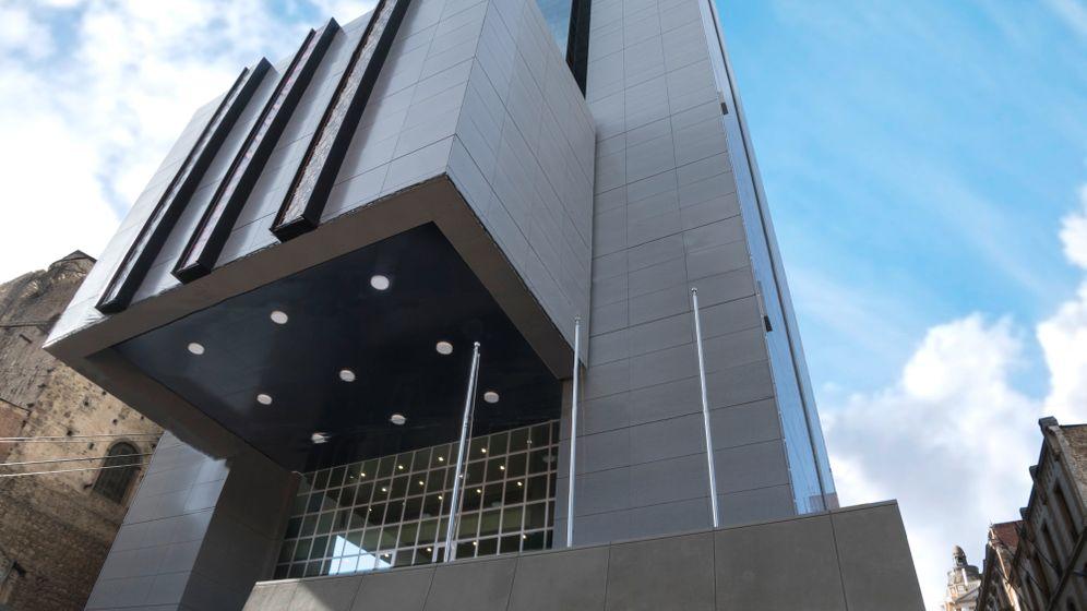 Bolivien: Morales eröffnet Protzhochhaus