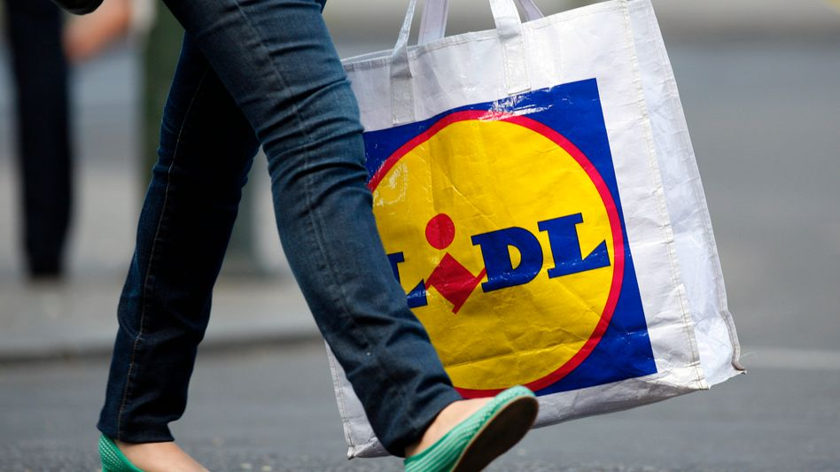 """Einkauf bei Lidl: Näherinnen berichteten von """"unmenschlichen Arbeitsbedingungen"""""""