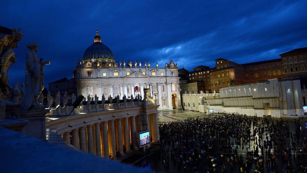 Konklave: Rauchzeichen aus dem Vatikan