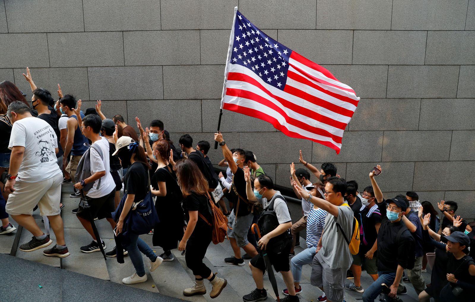 Hongkong/ Protest/ Demonstration/ USA Flaggen