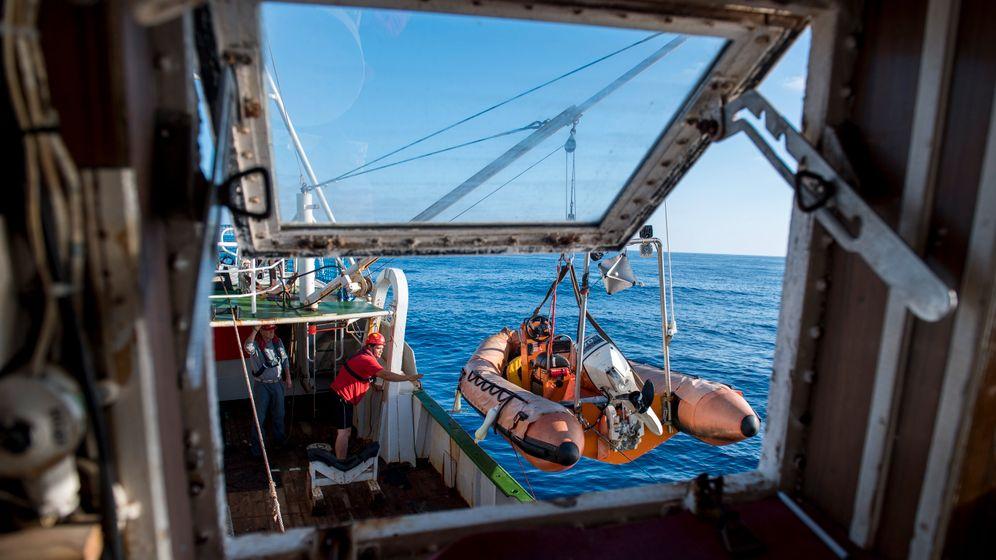 """Retter und Gerettete: An Bord der """"Sea-Eye"""""""
