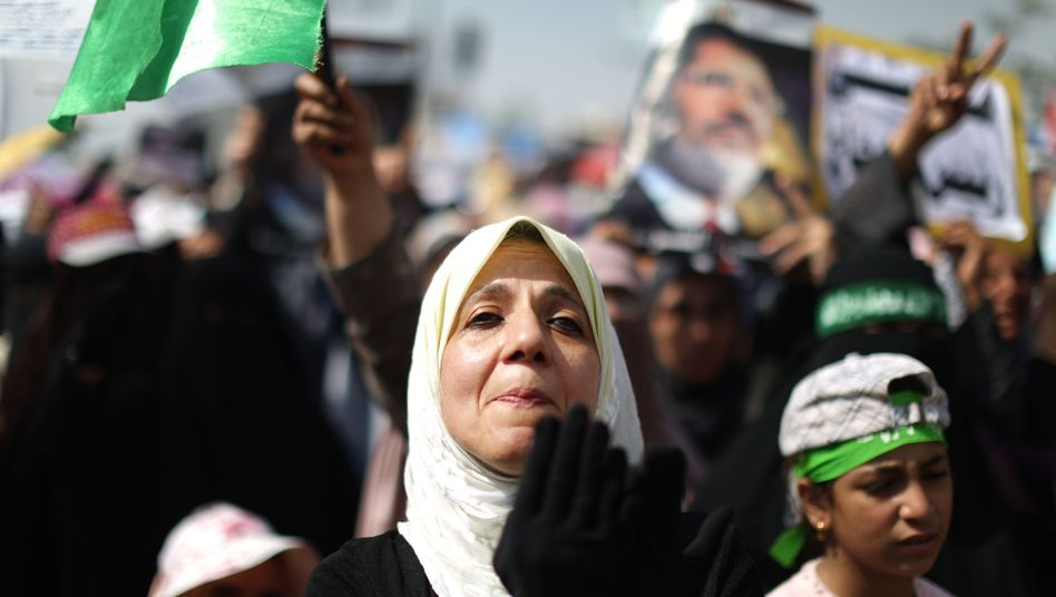 Krise in Ägypten: Übergangspräsident Mansur ordnet rasche Parlamentswahl an