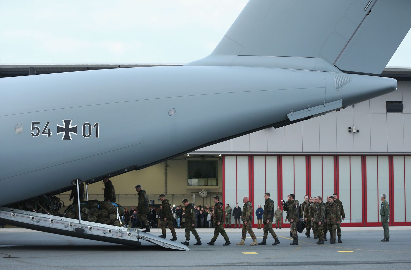 members of the Bundeswehr, the German armed forces, board a Luftwaffe A-400M 88495391