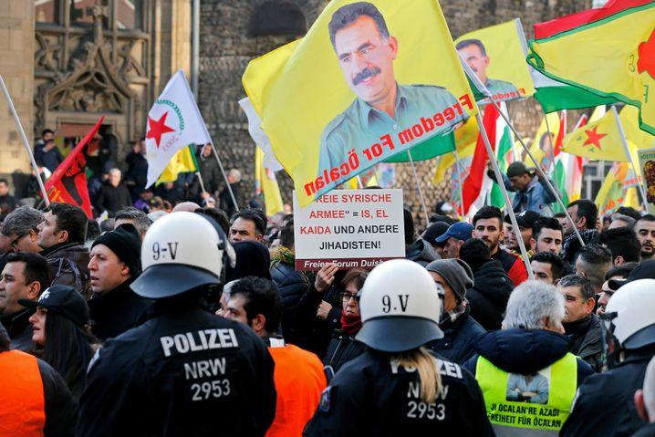 Kurdische Demonstration in Köln